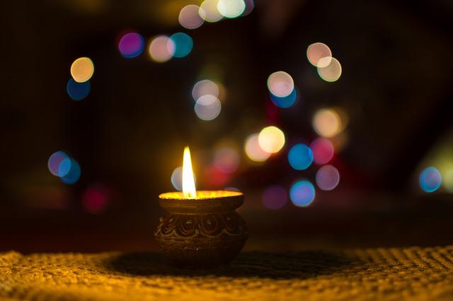 svíčka v kelímku