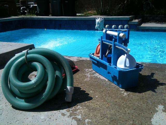 Bazénový vysavač není žádný přepych